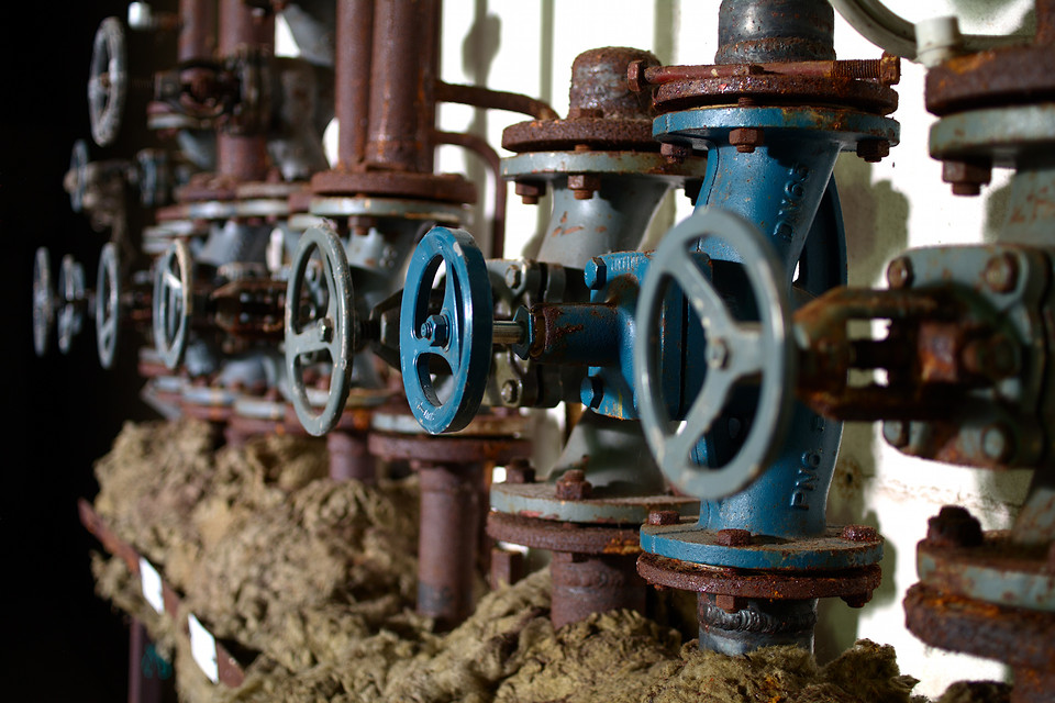 Pipes & Valves