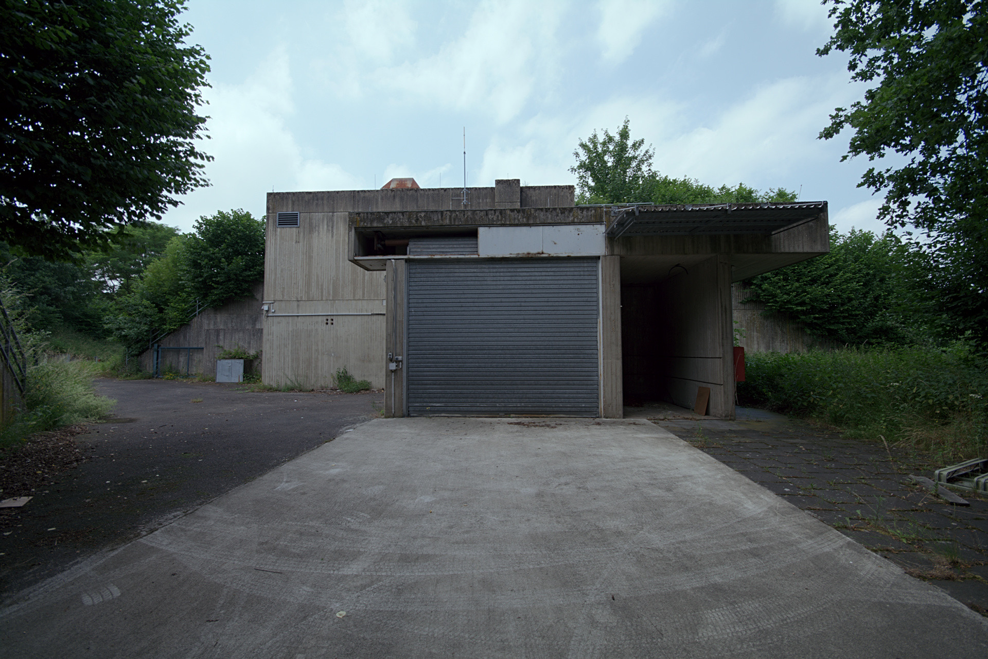 1280 #317E9A Garage Door White Mesa Gallery District Noir picture/photo Everything Garage Doors 37291920